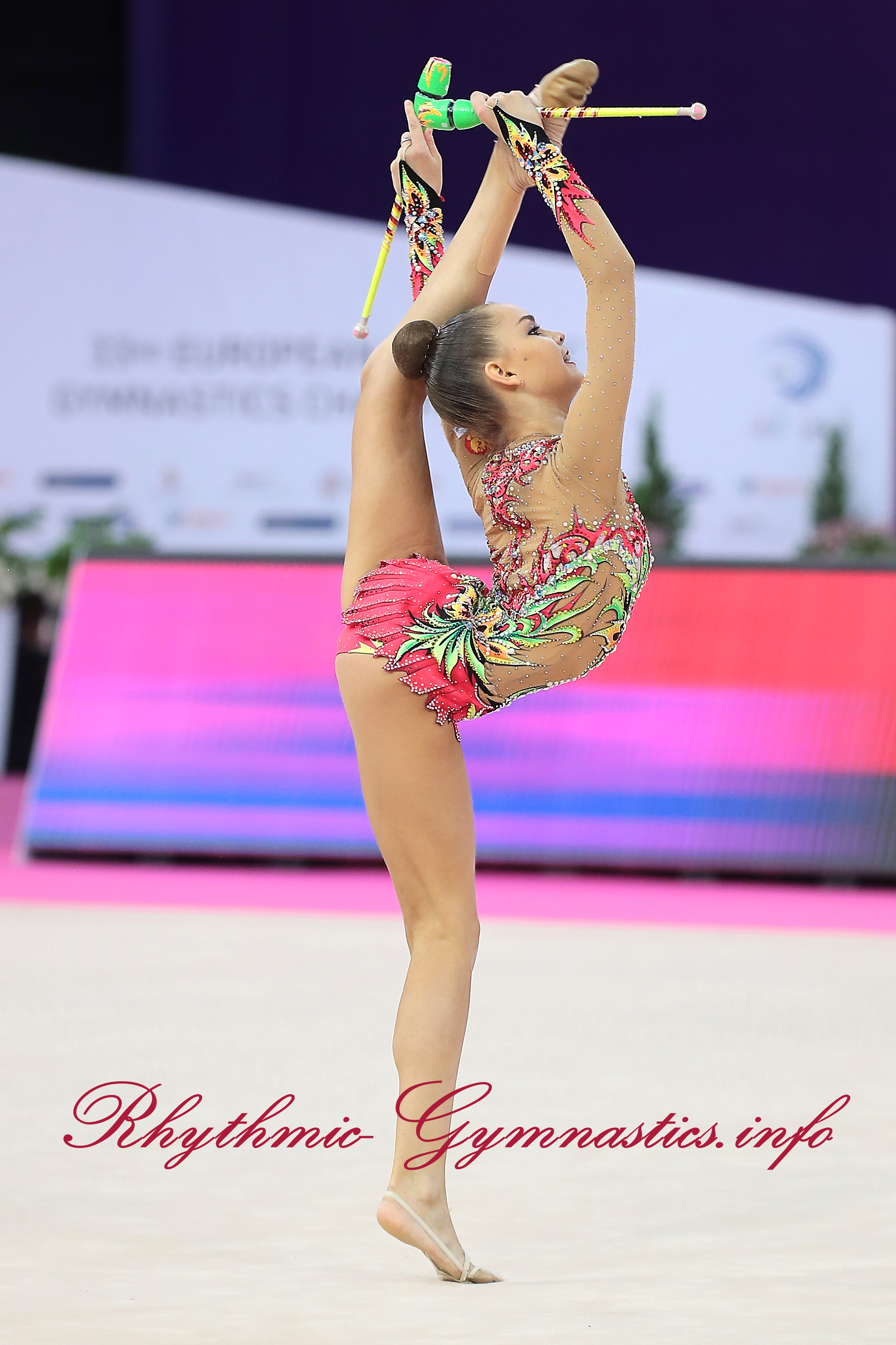 DinaAverina-RUS (2).jpg