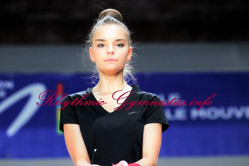 DINA AVERINA | Rhythmic Gymnastics Info